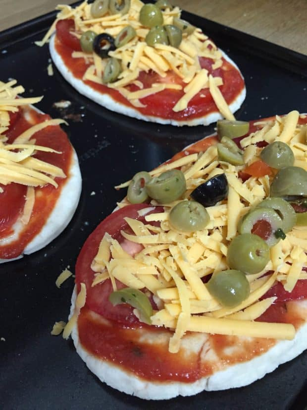 Enjoy these Quick and Easy Pitta Pizzas in minutes