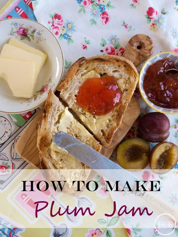 How to make Easy Plum Jam, plums, sugar and lemon juice make this jewel-like and delicious jam #easy #plum #jam #recipe #jelly #preserves