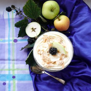 How to make Easy Blackberry and Apple Trifle