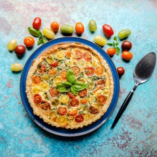 Easy Toamto & Bacon Tart with tomatoes